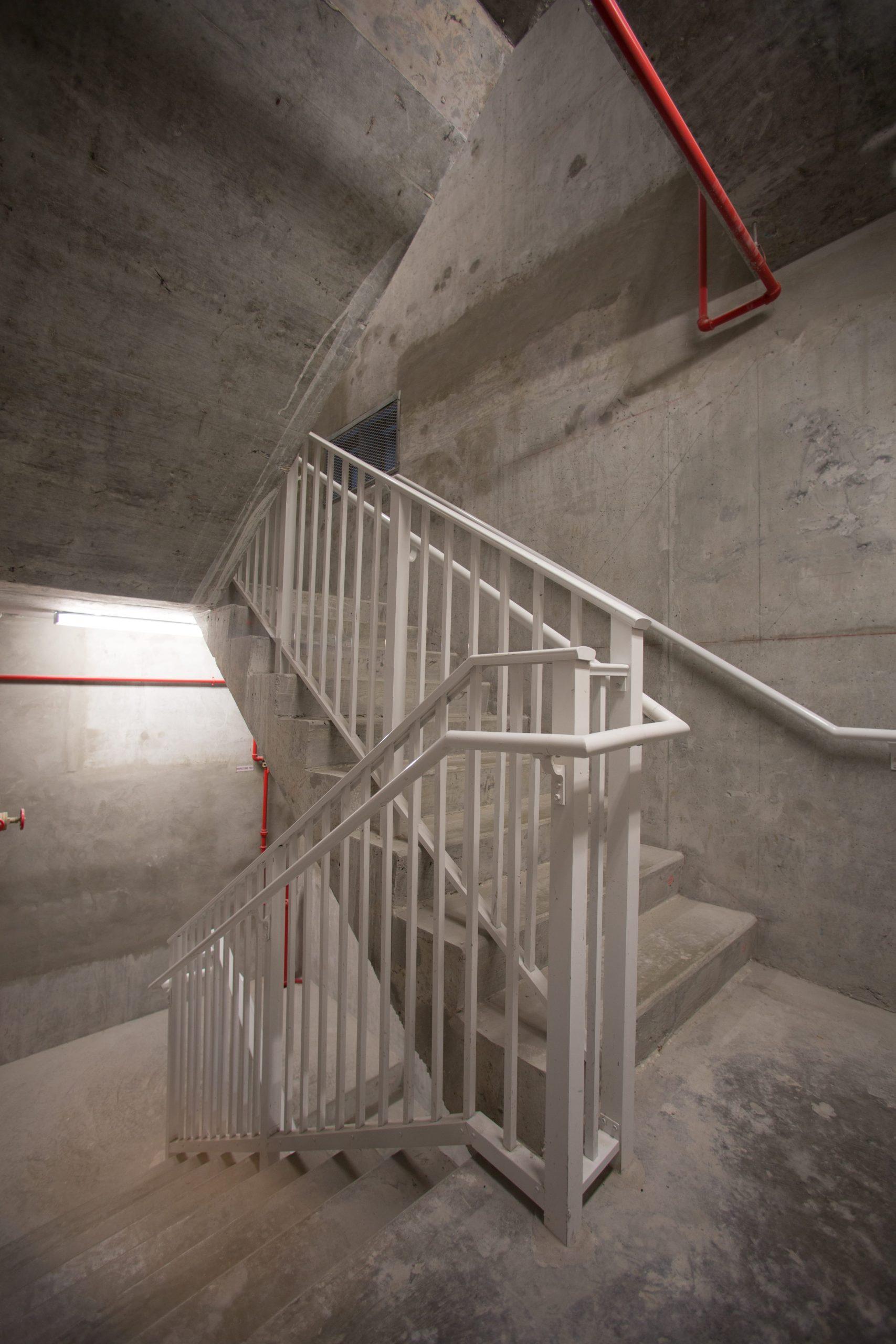 Standard Stair Guardrail - Railco Inc.